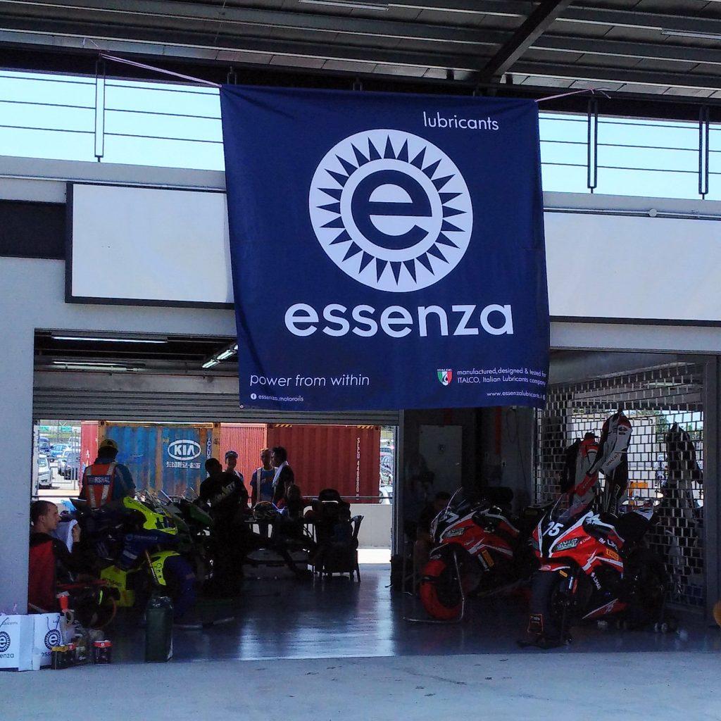 sự kiện của essenza